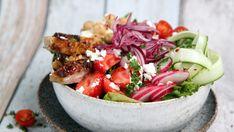 Foto: Tone Rieber-Mohn / NRK Ciabatta, Frisk, Bruschetta, Cobb Salad, Guacamole, Hummus, Feta, Food And Drink, Chicken
