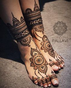Explore Best Mehendi Designs and share with your friends. It's simple Mehendi Designs which can be easy to use. Find more Mehndi Designs , Simple Mehendi Designs, Pakistani Mehendi Designs, Arabic Mehendi Designs here. Henna Hand Designs, Mehndi Designs Finger, Wedding Henna Designs, Engagement Mehndi Designs, Latest Bridal Mehndi Designs, Legs Mehndi Design, Mehndi Designs 2018, Modern Mehndi Designs, Mehndi Design Pictures