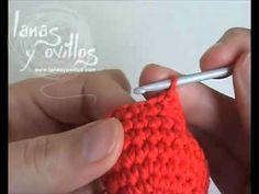 Tutorial como hacer un corazón de ganchillo paso a paso. Crochet Cocoon, Crochet Box, Chunky Crochet, Crochet Trim, Crochet Flowers, Crochet Hooks, Free Crochet, Crochet Stitches, Crochet Patterns