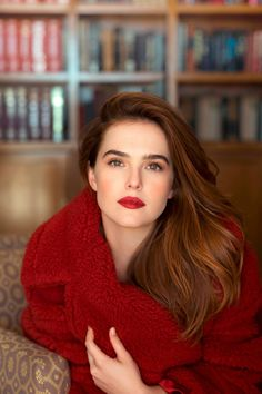Picture of Zoey Deutch Red Lips Makeup Look, Chica Cool, Zoey Deutch, Copper Hair, Auburn Hair, Girl Crushes, Redheads, Red Hair, Hair Inspiration