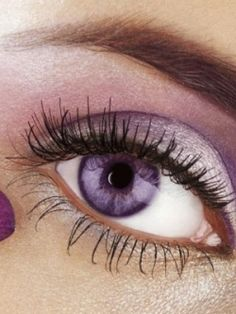 Eyeshadows to Bring Out Your Eye Color - The Eyes Have It - Eye Makeup Color Lila, Hair Color Pink, Eye Color, Purple Contacts, Colored Contacts, Eye Contacts, Pretty Eyes, Cool Eyes, Pink Eyeshadow