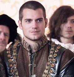 Henry Cavill en The Tudors, temporada 1 via CavillFan.Net