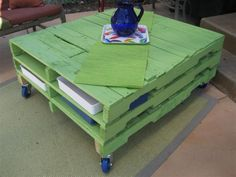Pallet Table (not in green)