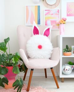 The Best Easter DIY Projects for Design Lovers - Decorpion Easter Party, Easter Table, Easter Eggs, Easter Decor, Easter Bunny, Easter Colors, Easter Celebration, Easter Crafts For Kids, Crafts Toddlers