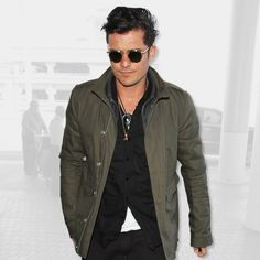 Steal Orlando Bloom's Airport Style Every Time You Leave The House | GQ