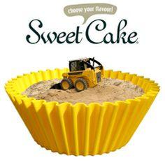 Het ouderwetse #cakevormpje. Wie kent 'm niet? Deze klassieker krijgt een nieuw leven als praktisch en vrolijk #designstuk voor #binnen en #buiten. Leuk als #kinderbadje, #plantenbak, #minimoestuin of als #mand voor de hond of kat. Choose your flavour!