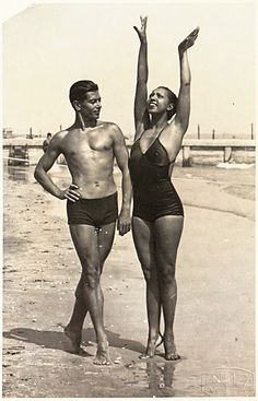 Early 1930's - Josephine Baker and the legendary Russian ballet dancer, Serge Lifar, on the beach, probably somewhere in France. Photo: Hôtel des Ventes, Genève