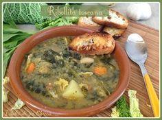 LaRibollita toscana è una tipica zuppa della cucina Toscana. E' a base di verdure e insaporita con delle croccanti fette di pane tostato. E' l'ideale nell