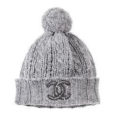 A stylish beanie to keep us warm :) Chanel beanie hat Love it Coco Chanel, Chanel Hat, Chanel Dress, Beanie Hats, Beanies, Grey Beanie, Missoni, Estilo Glamour, Pamela