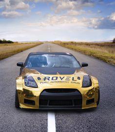 gold chrome wrapped 350Z 🔥 #driftcar #drifting #rovelution #350Z #roveloil follow us on instagram @rovelution for more! Gold Chrome, Drifting Cars, Photo And Video, Instagram