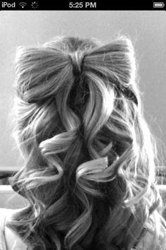 Super cute hairstyle~ Bow made out of her hair