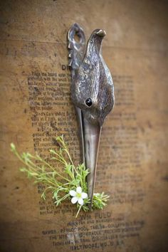 Mothology.com - Antique Brass Stork Clip, $38.00 (http://www.mothology.com/antique-brass-stork-clip/)