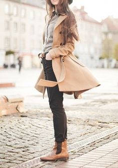 grey shirt, black skinny jeans, brown ankle boots, brown long coat