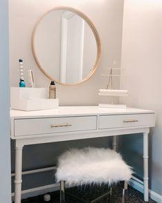 White Desk Bedroom, Gold Bedroom Decor, Teen Room Decor, Room Ideas Bedroom, White Rooms, Master Bedroom, White Vanity Desk, White Desk For Makeup, White Desk With Mirror
