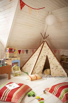 Love the playroom teepee. I grew up building forts out of blankets, so a playroom teepee seems necessary. Deco Kids, Kids Decor, Home Decor, Deco Design, Design Design, Nursery Design, Playroom Design, Attic Design, Interior Design