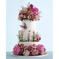 Beautiful wildflower wedding cake