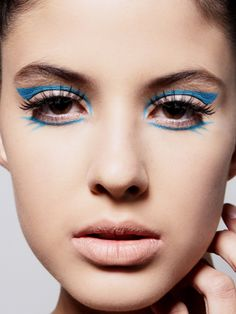 Can't get enough blue eyeliner? Here's more!