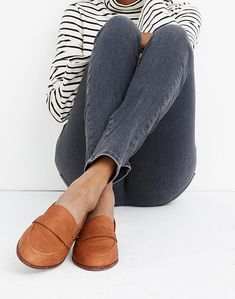 Tan Loafers, Loafers Outfit, Penny Loafers, Loafers With Jeans, Loafers For Women Outfit, Loafers Women, Women's Oxfords, Shoes For School, Shoes 2018