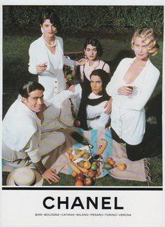 Archive: Chanel SS 1990 | Bouquet de Fashion Fleurs