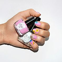 Want this DIY flower manicure!!!