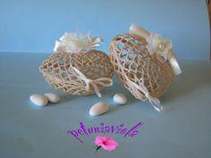 Scatolina a uncinetto 3D a forma di cuore per confetti, ideale per matrimonio, misura 11 cm x 10cm, alta 6 cm.