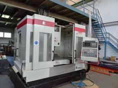 Vertical - machining center  Manufacturer: Quaser  Type: MV 204 II  Year of construction: 2000  Control: Fanuc 18M X axis: 1000 mm  Y-axis: 540 mm  Z axis: 510 mm  Spindle speed: 8000 1 / min  Work table: 1200 x 635 mm  Rapid traverse speed: 24/30 m / min  Spindle taper: SK 40  Tool Changer: 32 Pl.  Dimensions: LxWxH: 2.6 x 2.2 x 2.8 m  Weight about 7500 kg .: Construction, Type, Building
