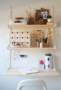 Ikea's Ekby shelf turned into girl's work space by Bambula.