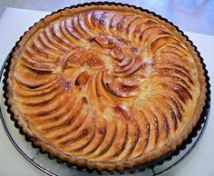 ok my favourite apple pie, is the open one with sour apples...actually a tarte.