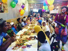 Majlis beramah mesra dengan anak-anak yatim/asnaf dari Teratak Nuhairi, Sedim di Asharo Cafe  Anniversary maksu&paksu Pemberian hadiah buat anak2 yg cemerlang Sambutan hari lahir anak2 oktober Sprise birthday buat mak . Menu utama @shellmeout_bertam  #bihungoreng #nugget #nasiminyak . Kek dari E'La Ziela @eiraadenansignature  Clown @caplodeclown Goodies @salsacreations @intanbaharin Amalina Adnan Hadiah @hasyiqah . Sumbangan pakaian @amalinaroslee Decoration sumbangan dari…