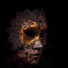 Venetian Mask #venice #mask #carnival #venicecarnival #veniceitaly #italy Venice Mask, Venice Italy, Venetian, Carnival, Skull, Flower, Photos, Instagram, Art