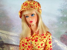 https://flic.kr/p/doDjSs | 1971 Vintage Mod Blonde Living Barbie | In 1969 Travel Togethers Outfit