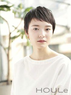 Asian Short Hair, Girl Short Hair, Short Hair Cuts, Short Hair Styles, Short Pixie, Pixie Cut, Houle, Hair Arrange, Shirt Hair