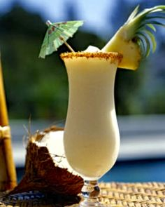 Pina Colada Mocktails (non-alcoholic cocktails/virgin drinks) Fit For Any Occasions (summertime alcoholic drinks) Pina Colada Sem Alcool, Virgin Pina Colada, Cocktail Punch, Cocktail Drinks, Cocktail Glass, Cocktail Amaretto, Cocktail Desserts, Summer Drinks, Cocktail Recipes