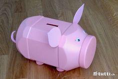Sparschwein   - basteln - #Basteln #Sparschwein Diy Pet, Money Bank, Homemade Crafts, Craft Gifts, Piggy Bank, Diy For Kids, Upcycle, Projects To Try, Hacks