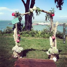 DIY driftwood arch by lovely little details | CHECK OUT MORE IDEAS AT WEDDINGPINS.NET | #weddings #diyweddings #diy