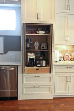 #kitchens #kitchencabinets #kitchenstorage