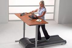 Objetos locos para la oficina  Para los más deportistas o simplemente inquietos, este escritorio con cinta caminadora incorporada.  /notsitting.com
