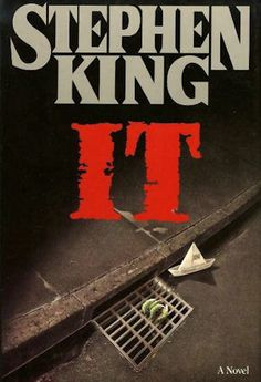 Stephen King: It. Scary which is why I watch Stephen King movies and don't read the books. The movies are way less intense. Stephen King It, Steven King, Stephen King Novels, I Love Books, Great Books, Books To Read, My Books, King Author, Harper Lee