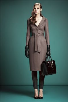 Gucci - Pre-Fall 2013 2014 - Shows - Vogue. Review Fashion, Fashion Week, Runway Fashion, Fashion Show, Womens Fashion, Fashion Design, Blazers, Style Personnel, Classy And Fabulous