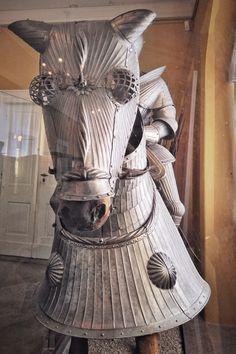 """#KultBlick 37: """"""""Nein, Doch, Ooooh!"""" [Blogparade]"""" via @Museumscast. O-Ton: """"Es wurde nie langweilig, Daddy hatte stets neue Geschichten zu erzählen. Und heute erzähle ich euch diese/meine Geschichte in der 11. Episode des MUSEUMSCASTES. """" Samurai, Daddy, Victorian, Dresses, Fashion, Clay, Culture, History, Vestidos"""