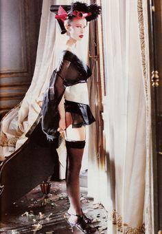 Vogue UK October 1994 photo Pamela Hanson,Model:Nina Brosh 06.jpg