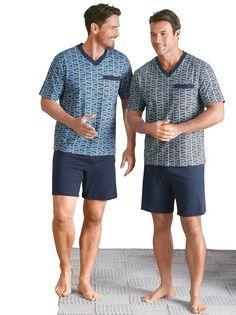 Mens Night Suit, Male Nurse, Barefoot Men, Stylish Mens Outfits, Male Feet, Sexy Feet, Pyjamas, Patterned Shorts, Lounge Wear