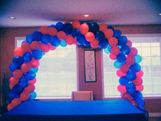 #nanisetc red and blue balloon arch