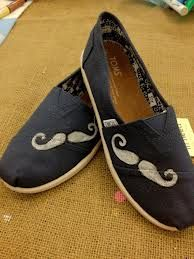 I love these mustache TOMS!!! <3