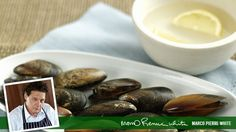 We love eating mussels, but do you know the best way to clean them?