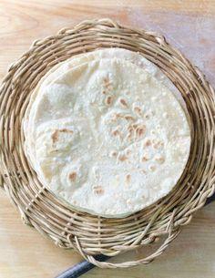 The Tiffin Box: Roti/ Chapathi/ Phulka - How To Make Soft Rotis Soft Chapati Recipe, Chapati Recipes, Roti Recipe, Indian Food Recipes, Gourmet Recipes, Veg Recipes, Fall Recipes, Bread Recipes, Indian Recipes