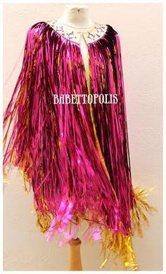 Cape made of tinsel curtain - sew to bra straps? Mardi Gras Outfits, Mardi Gras Costumes, Carnaval Diy, Fancy Dress, Dress Up, Look Festival, Festival Wear, Diy Cape, Burning Man Fashion