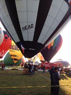 Más globos comienzan a estar listos para despegar en el Festival Internacional del Globo en #León #ViveFIG