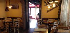 "Tavoli e Sedie produzioen Maieron snc Arredo locali nel ristorante ""la fenice morianese"" a Lucca www.mobilificiomaieron.it - 0433775330"