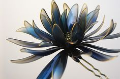 簪(かんざし)作家 榮 -sakae- 2011年 黒鳥 簪 「濡羽」  (Japanese hair accessory -Kanzashi- by Sakae, Japan http://sakaefly.exblog.jp/)